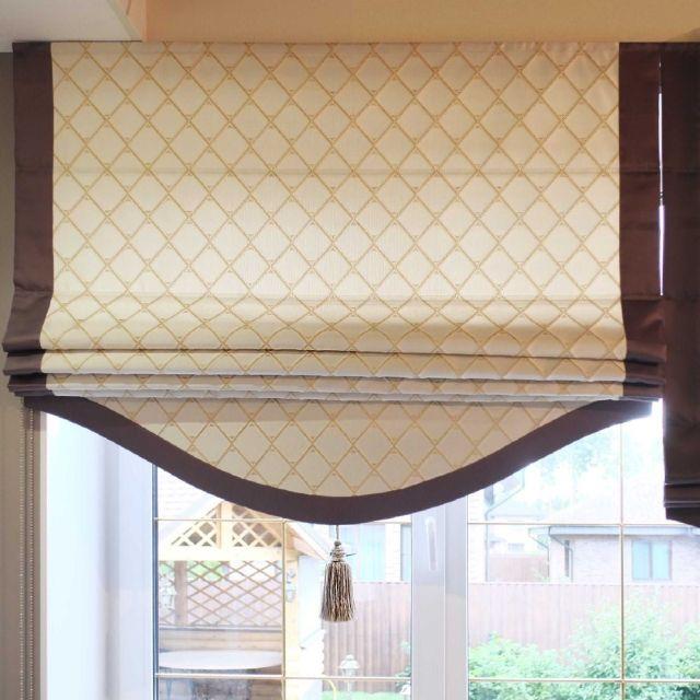 Римская штора с фигурным низом