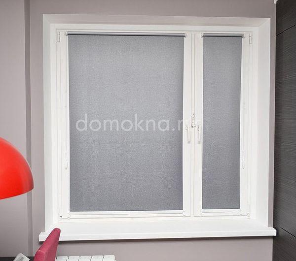 Рулонная штора Мини блэкаут на пластиковом окне