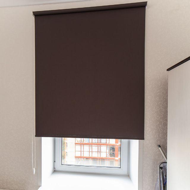 Рулонные шторы блэкаут на кухне