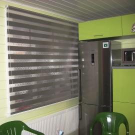 Рулонные шторы день ночь   На кухне рулонные шторы день ночь